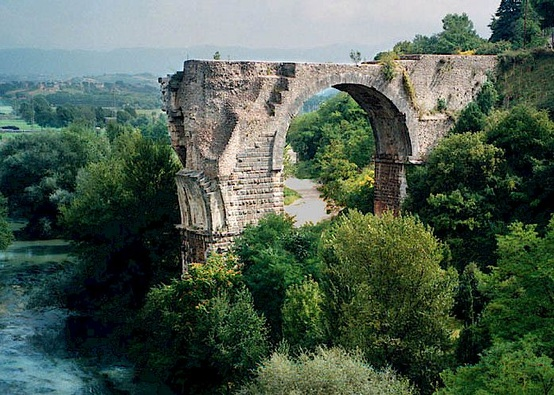 Roman bridge of Augustus at Narni in Umbria, Italy